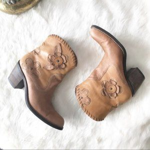 MIA Daisy Short Cowboy Boot Flower Appliqué Boho